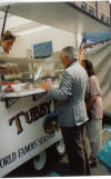 Tubby Isaacs jellied eel stal, Middlesex St (petticoat Lane) Not Kosher!